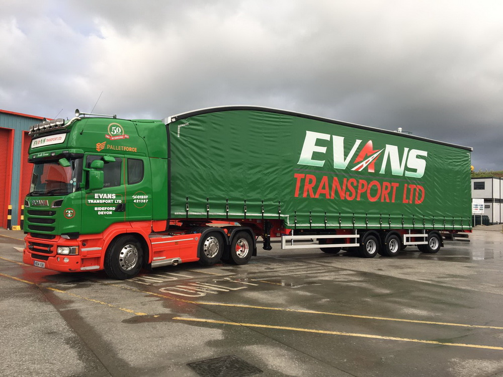 Evans transport Cartwright trailers 01