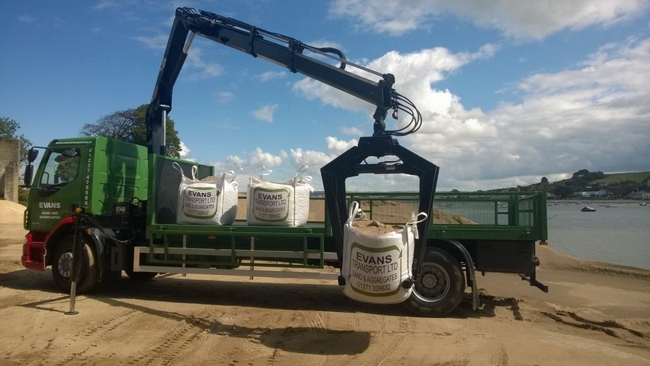 Evans Transport Dumpy Bag Offload